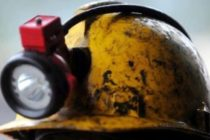 950 miners trapped after power cut