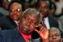Kenya: Carpenter sues government over presidential chairs