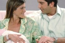 Friends – Teenage twins who played baby Emma get Hollywood roles