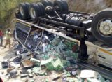 V/R: Driver Escapes; As Truck Crashes on Mountainous Fume Road