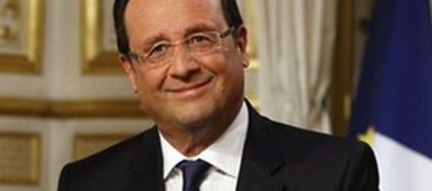 French election: Hollande urges nation to back Macron and reject Le Pen