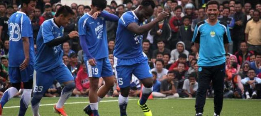 Essien scores first goal after securing Indonesian work permit