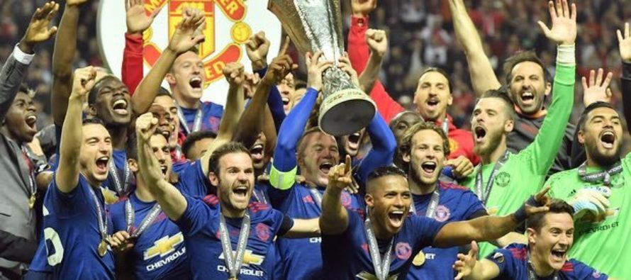 Manchester United beat Ajax to win Europa League