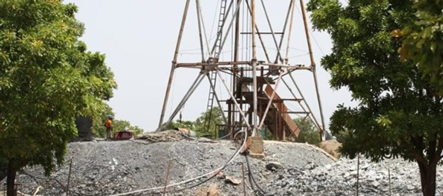 Lands minister orders Shanxii Mining to stop work following tragedy
