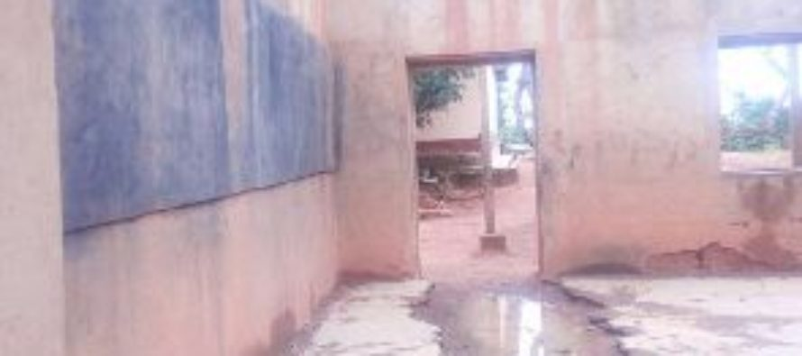 Headmaster closes down dilapidated school for fear of collapse