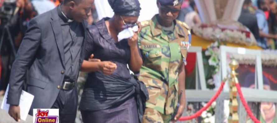 Three wreaths for Mahama, a thousand tears for the nation