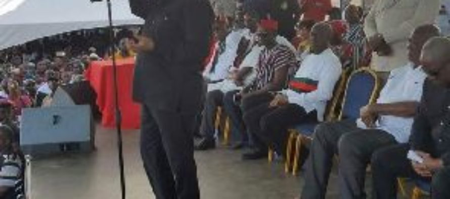 Rawlings lauds NPP at NDC rally