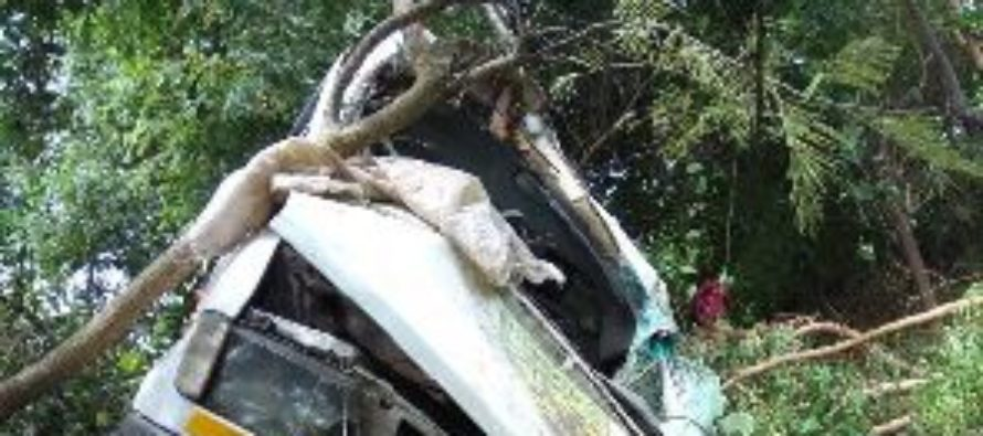 Three dead; many injured in gory accident