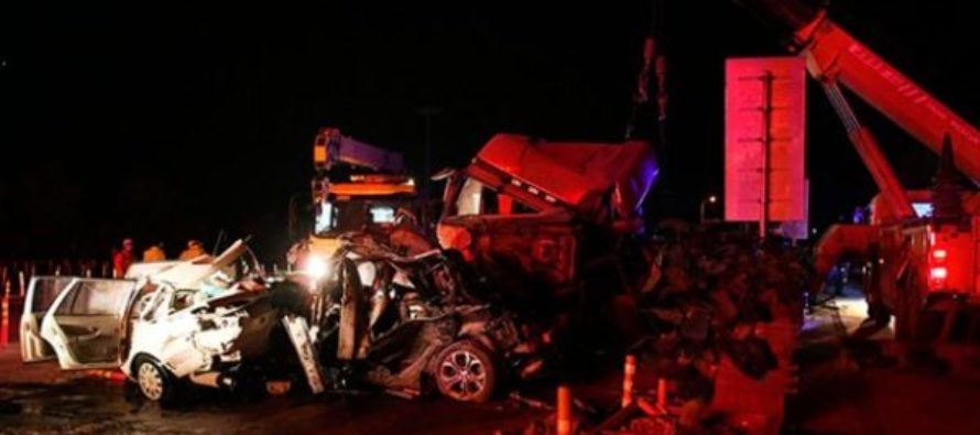 At least 14 killed in China highway pile-up