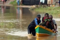Mozambique cyclone: Death toll rises as storm blocks aid