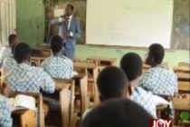 Leading by example: Dep Education Minister takes students through Maths class