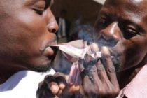 Zimbabwe bans use of foreign currencies