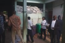 Photos: 5 arrested for smuggling over 4000 bags of fertilizers