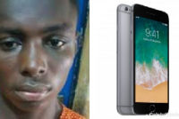 Thief slashes throat of shop attendant to steal iPhone