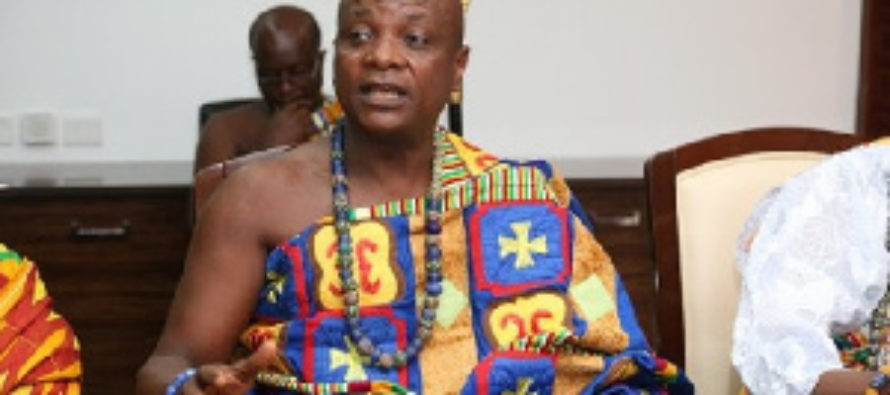 Togbe Afede XIV feeds 250 Muslim families in UER