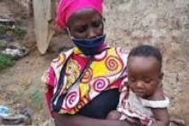 Coronavirus: Kenyans moved by widow cooking stones for children