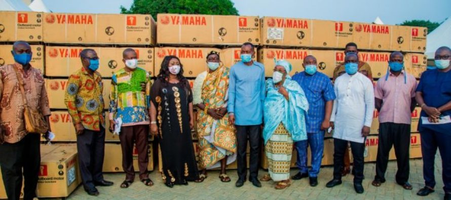 V/R: Fishermen get new outboard motors from CODA, Ministry of Fisheries