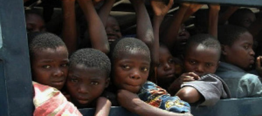 Two grabbed for attempting to traffic 12 children