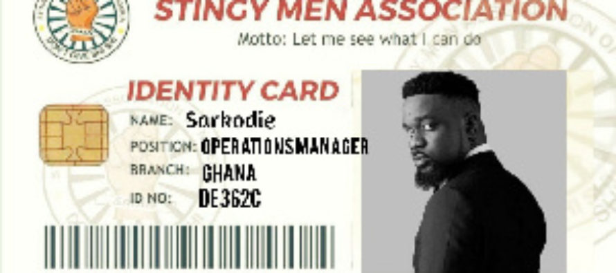 Sarkodie's happy reaction as he 'accepts' his card as a member of the 'Stingy Men Association'