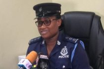 Police gun down armed robber, arrest two others