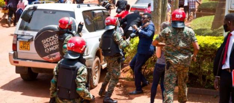 Uganda army chief apologises for beating of reporters